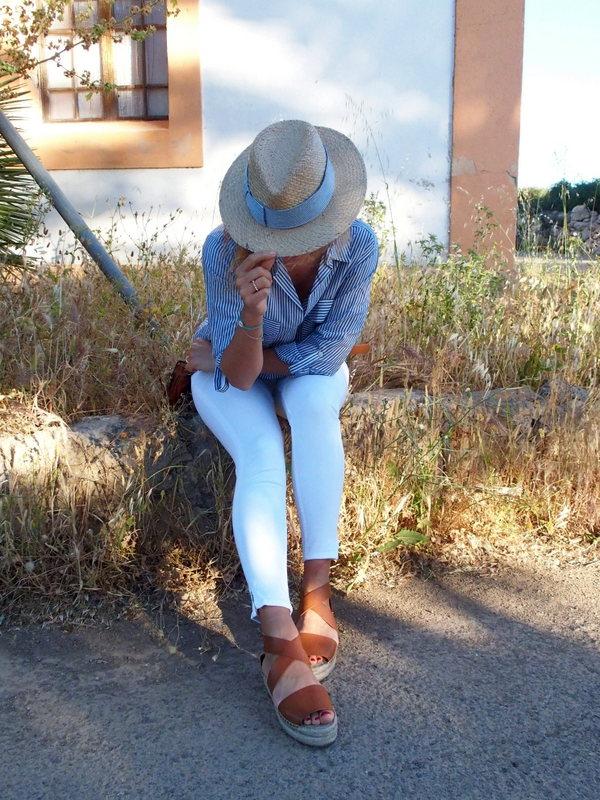 chemise rayée jean blanc chapeau summer outfit rock my casbah son noguera