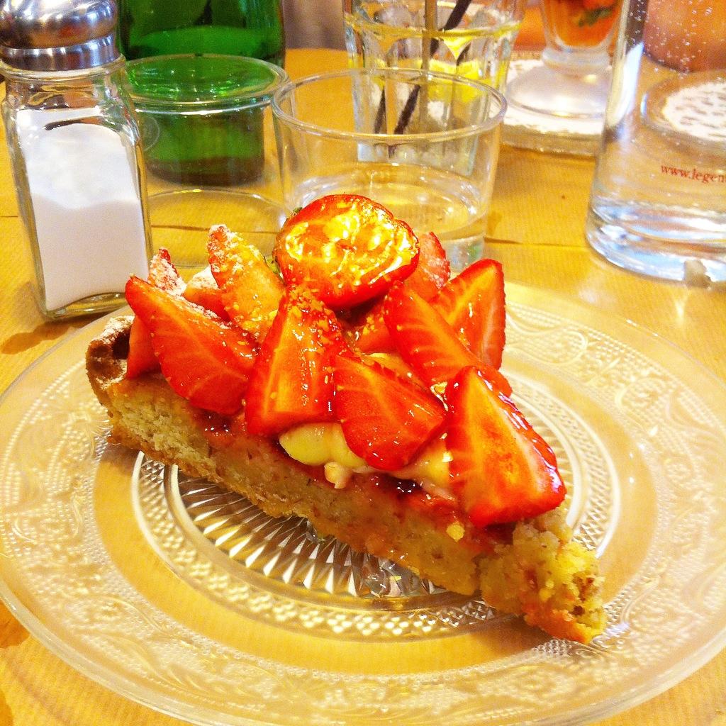 tarte aux fraises salon de thé le petit magre toulouse recettes cuisine saine végétarien veggie healthy food soleil blog lifstyle voyage mode rock my casbah Toulouse