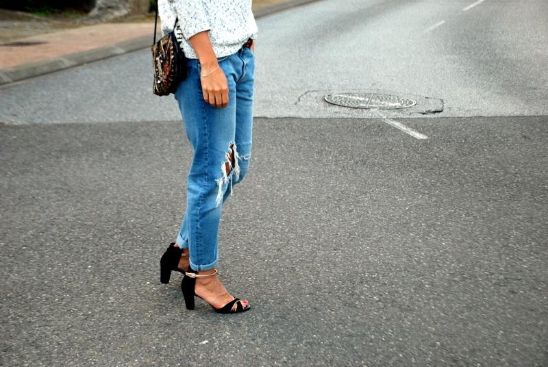 dexter ootd look outfit pull à franges jean boyfirend sandales noires blogger blog mode blogueuse rock my casbah