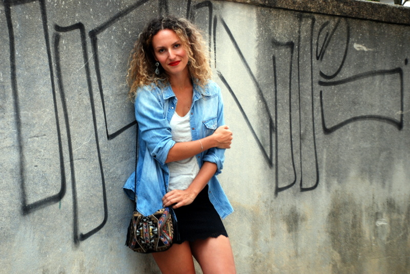 jupe dentelle lace skirt chemise jean denim shirt rock outfit french blogger blog mode toulouse rock my casbah