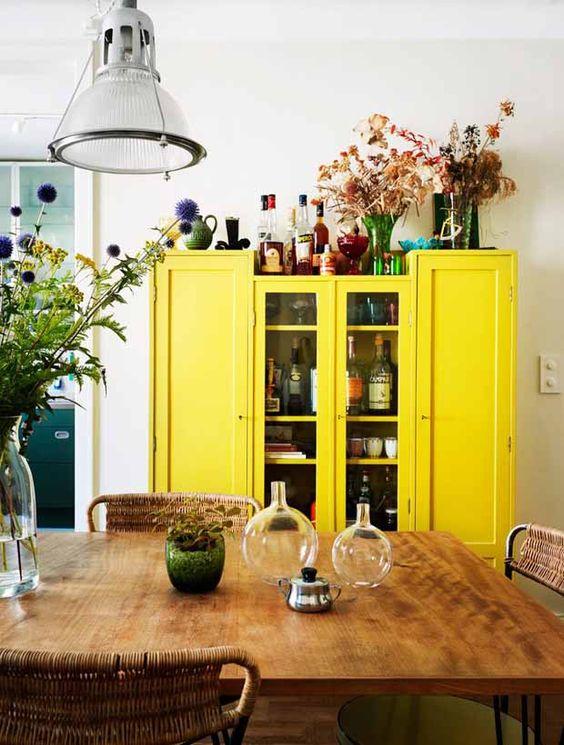 meuble jaune