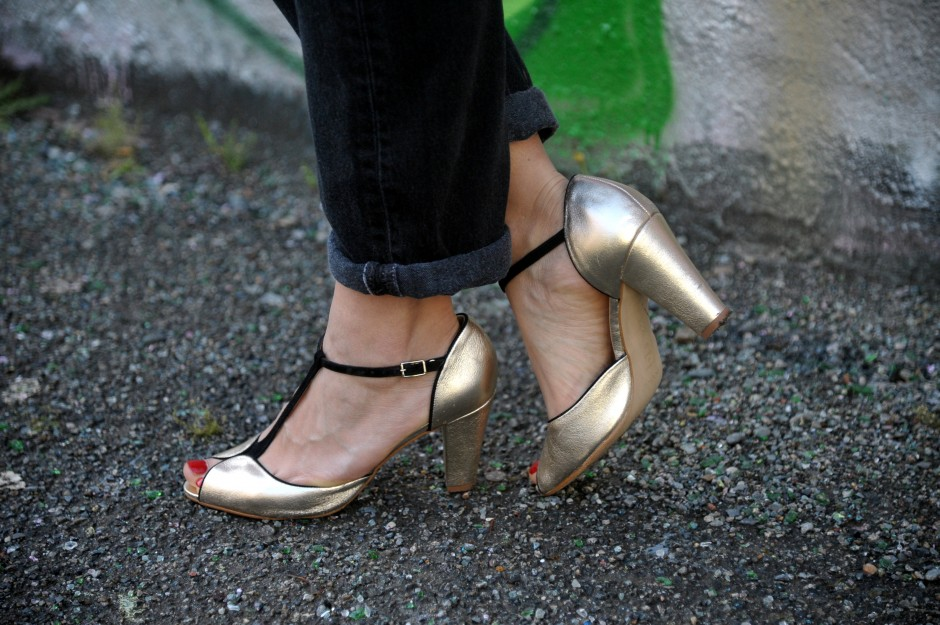 chaussures dorées