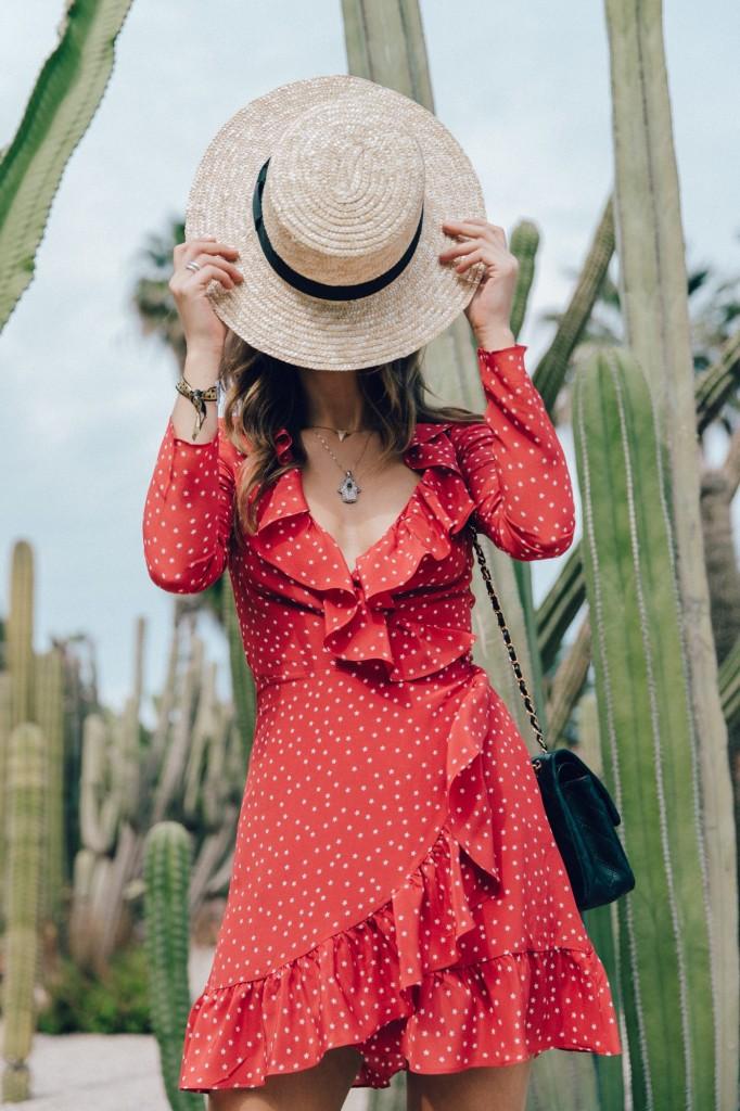 Realisation_Par_Dress-Star_Print-Red_Dress-Outfit-Catonier-Hat-Lack_Of_Color-Black_Sandals_Topshop-Barcelona-Collage_Vintage-Mossen_Gardens-64-1400x2100