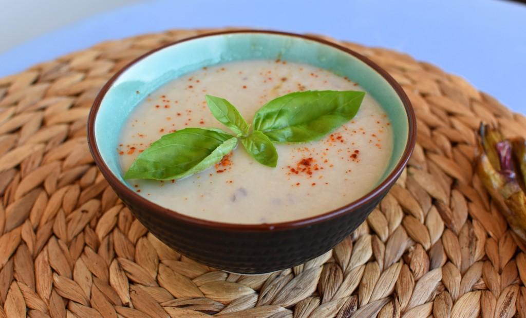 soupe froide d'oignons grillés