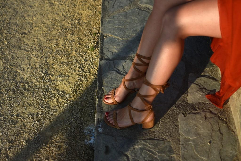 sandales lacées à talons