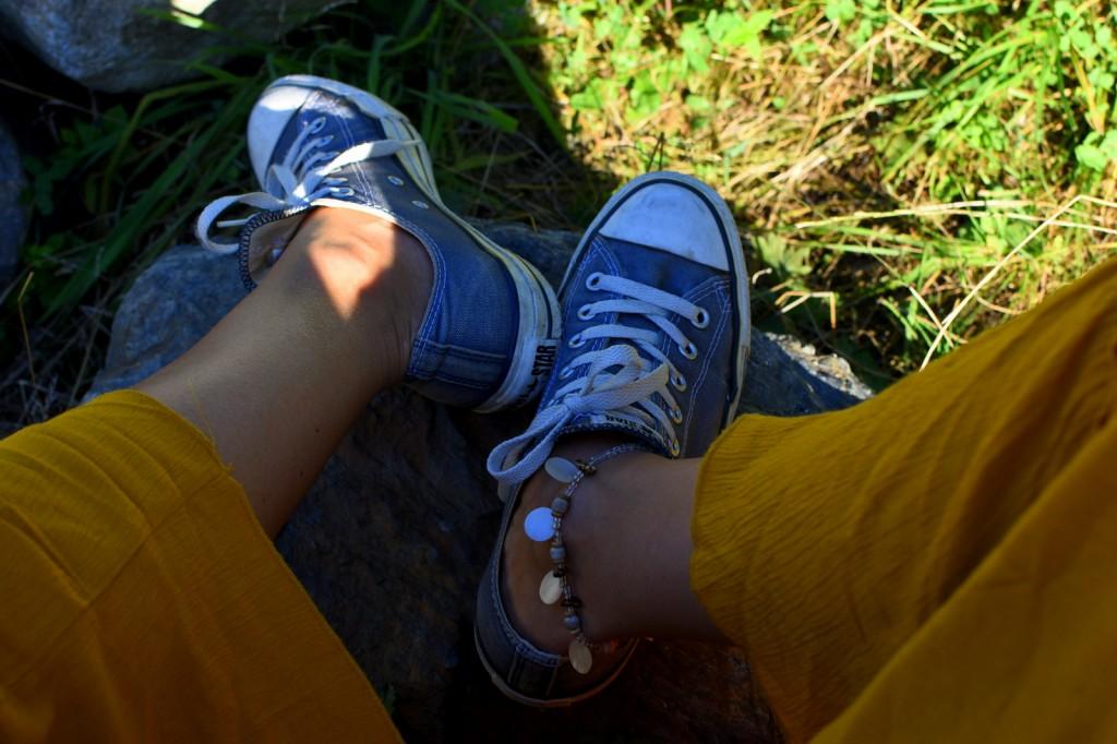 converse + jupe