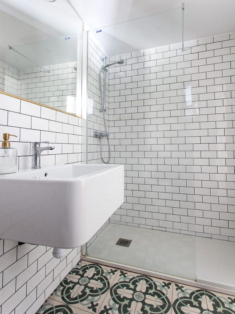 carreaux-ciment-salle-de-bain
