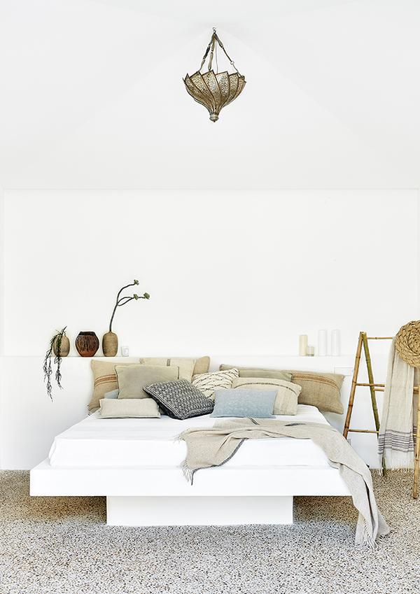 lit-en-béton-blanc