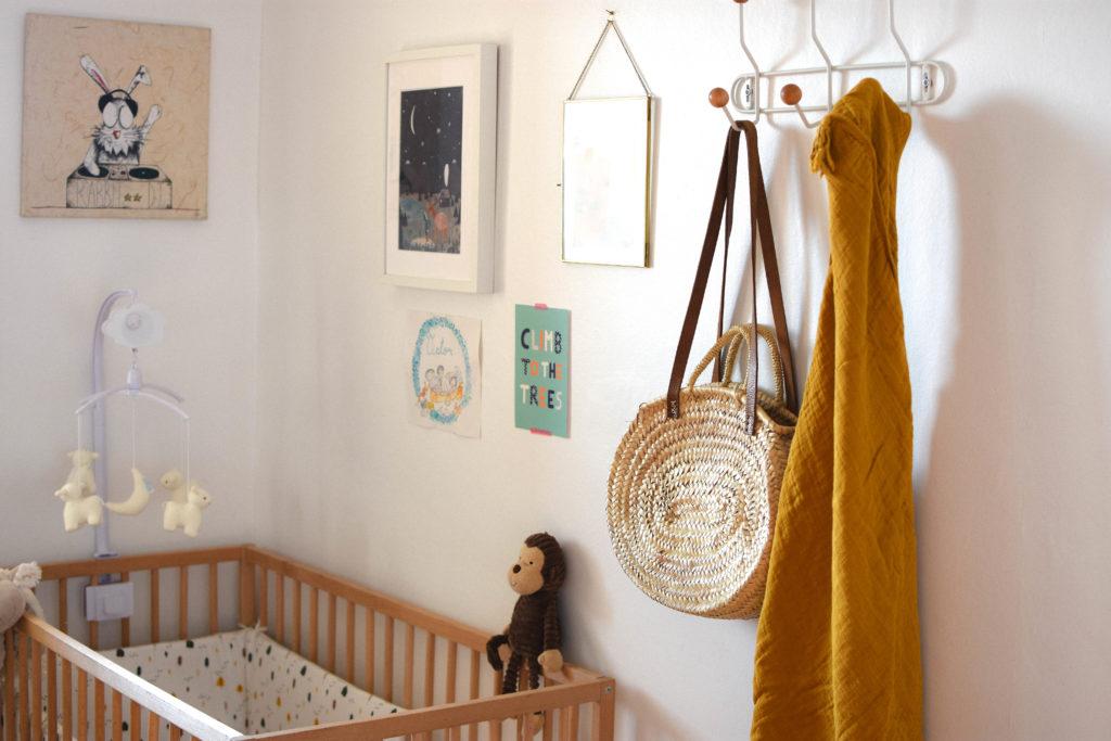 décoration-chambre-bébé-jaune-moutarde