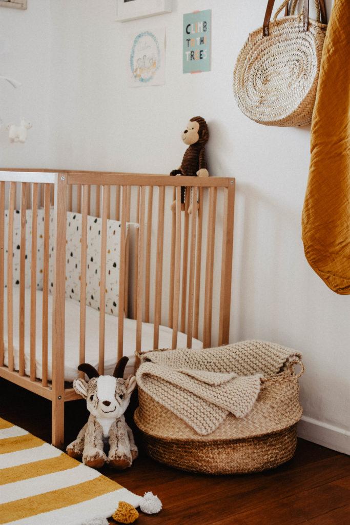 chambre-bébé-jaune-moutard-beige