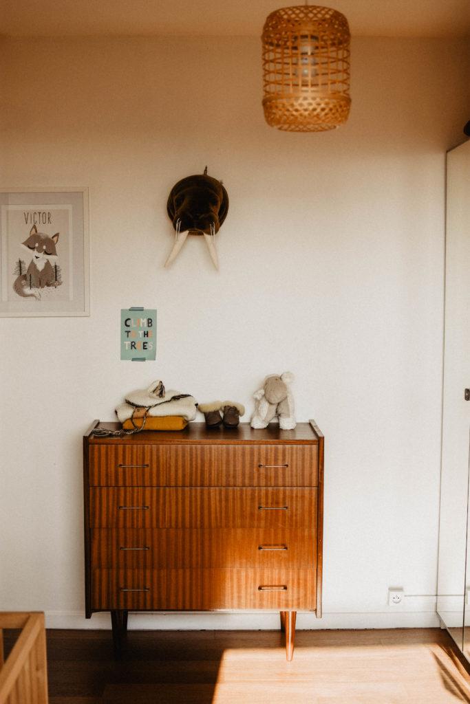 table-langer-commode-années-50-chambr-bébé