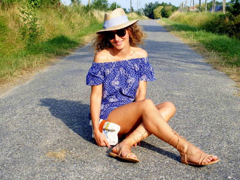 off shoulder dress robe bleu look estival sandales grècques lace up sandals blog mode toulouse
