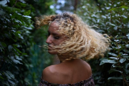 cheveux frisés