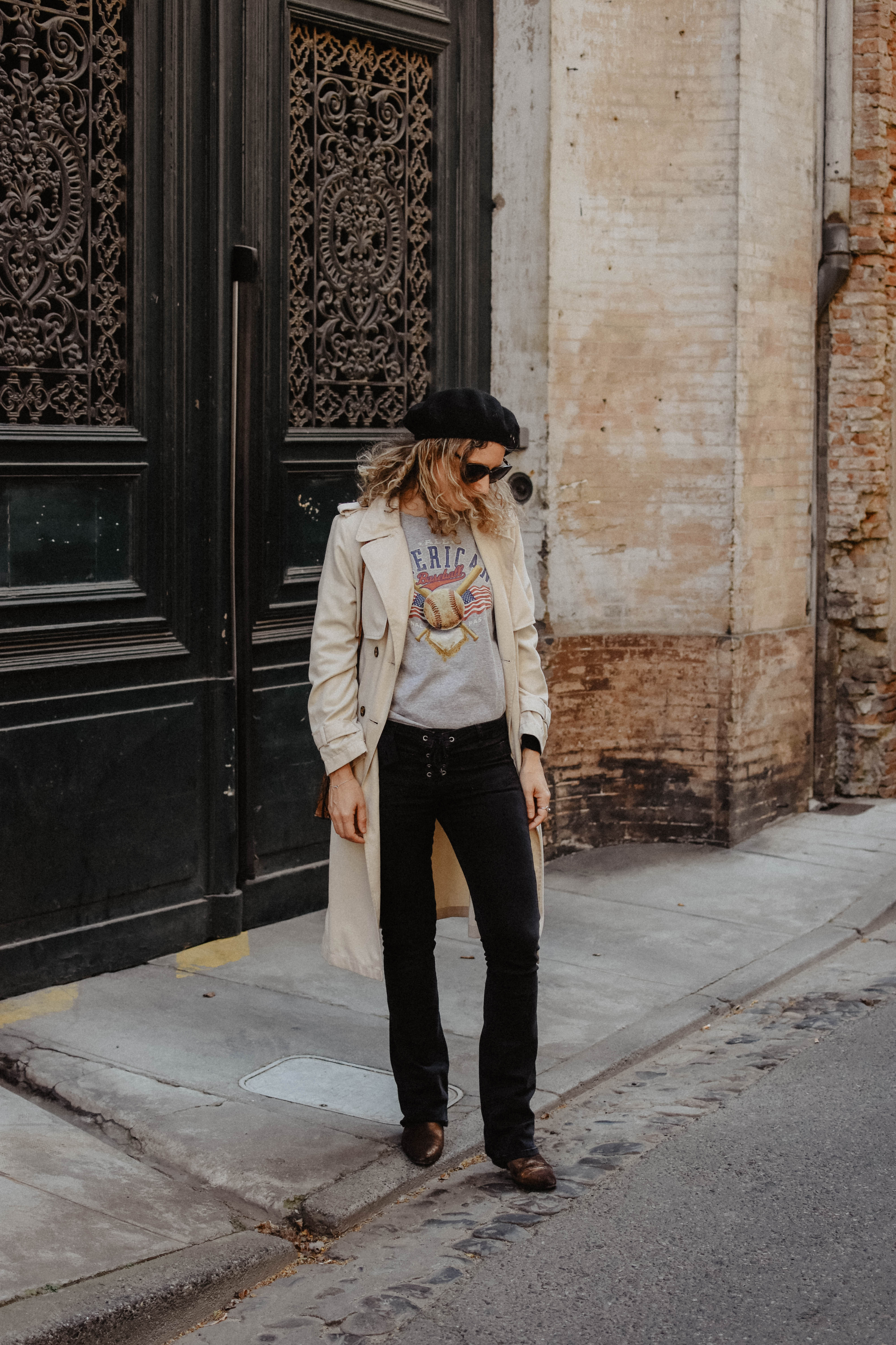 trench-jean-flare-rock